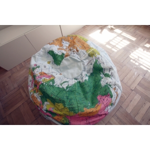 Кресло-мешок в виде глобуса от дизайнеров из Нью-Йорка