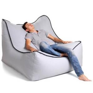 Бескаркасная мебель - стильный и практичный ход в обустройстве холостяцкого интерьера