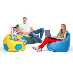 С мебелью и с детьми в домашней обстановке