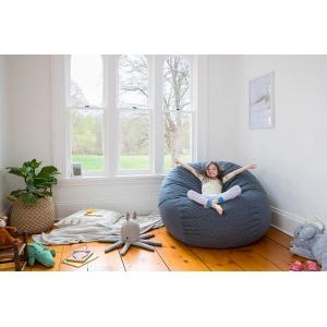 Удобная детская комната с использованием бескаркасной мебели