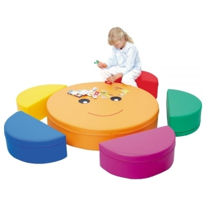Бескаркасная мебель для детского сада: преимущества