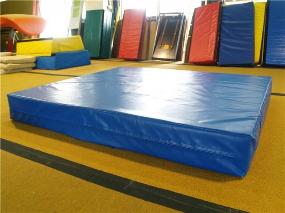Мат страховочный 200-200-20 см Тia-sport
